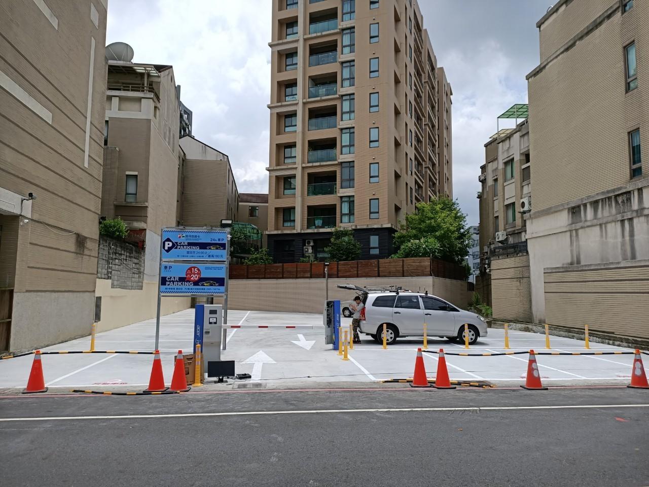 三厝街停車場安裝監視設備